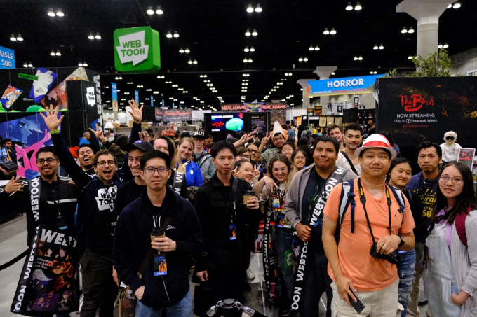 Fans gather to meet their favorite Naver Webtoon artists at the Los Angeles Comic Con.